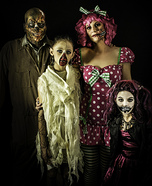 Scary Halloween costume ideas - Zombie Family Costume